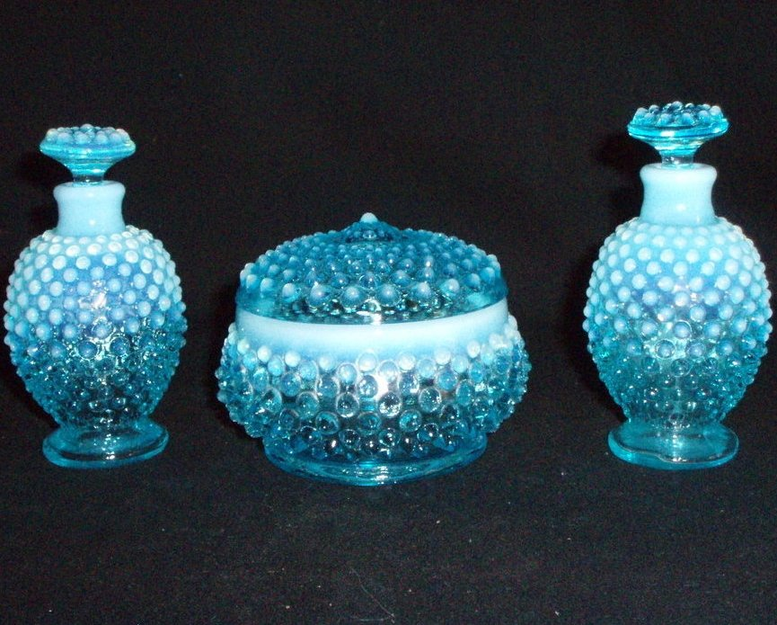 Image 0 of Fenton Vanity perfume set Blue Opalescent hobnail 3805