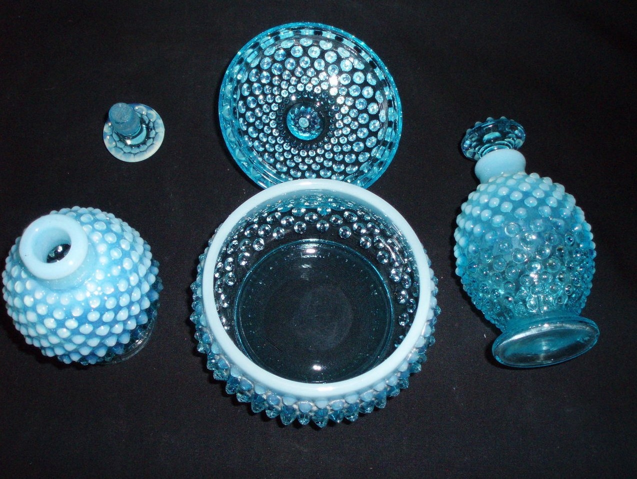 Image 3 of Fenton Vanity perfume set Blue Opalescent hobnail 3805