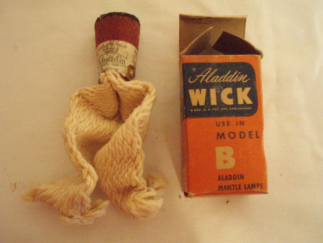 Antique Aladdin Wick Model B original box