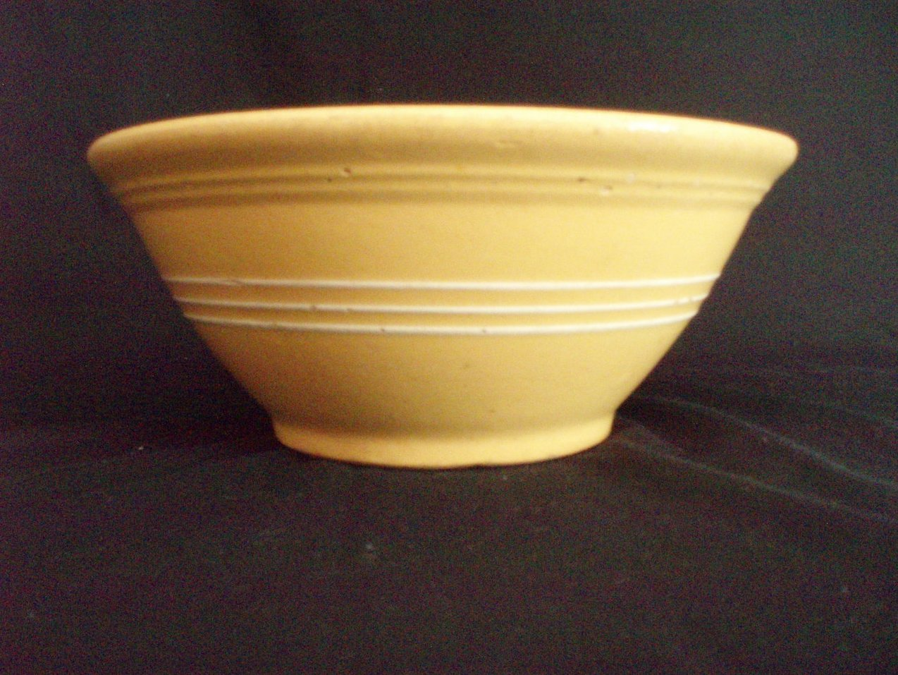 antique 9 inch yellow ware white slip banded mixing bowl