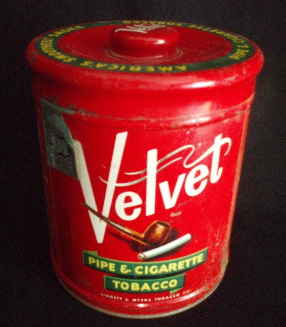 Vintage Velvet Tobacco 14 oz. round tin