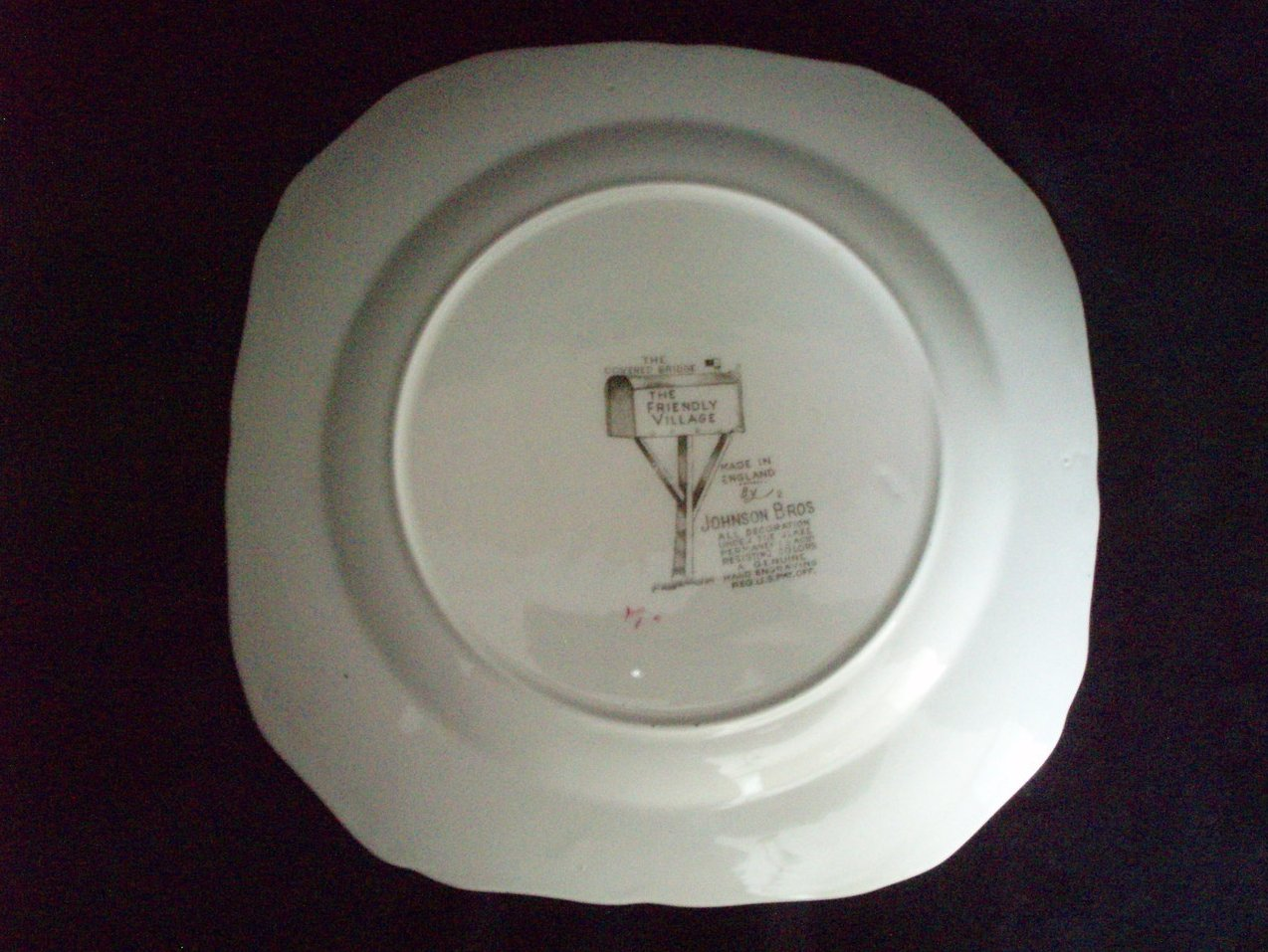 Image 4 of Johnson Brothers Friendly Village Salad Square Lunch Plates