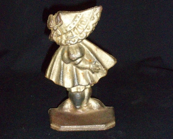 Antique Sunbonnet Baby cast iron door stop Number 72