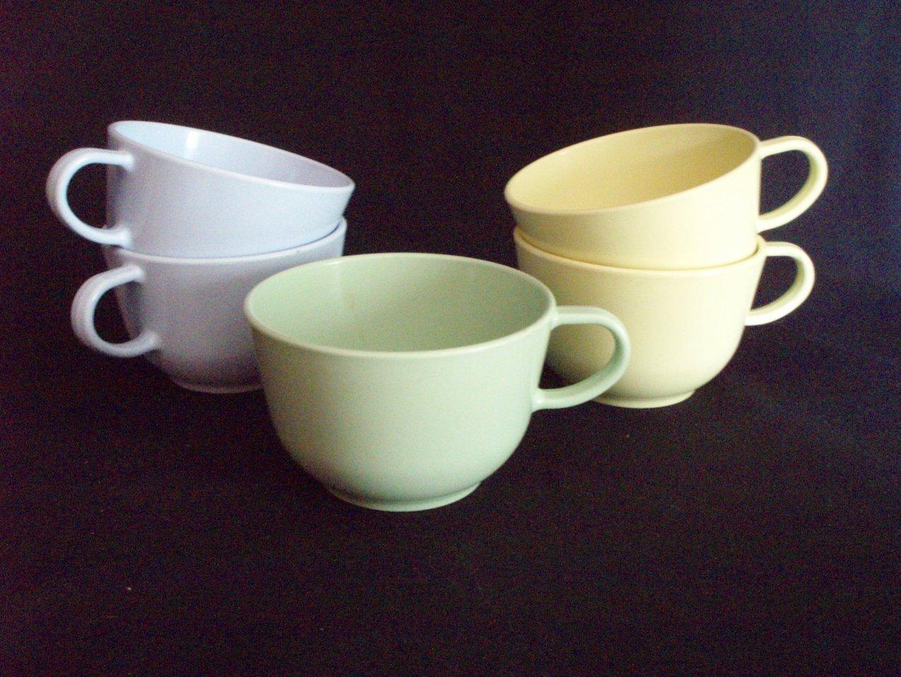 5 vintage hemcolite melmac plastic mugs camping poolside
