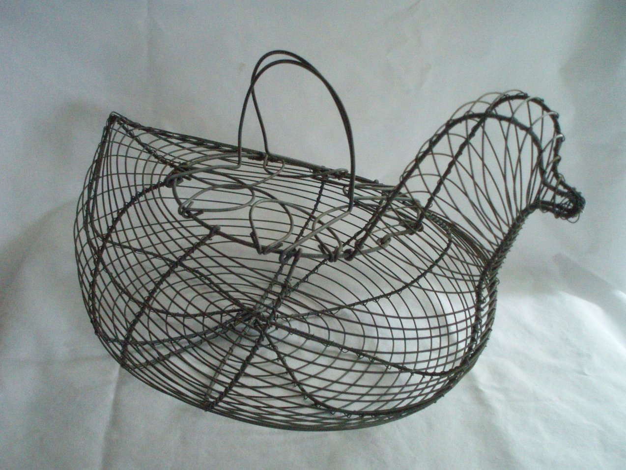 antique wire chicken hen egg basket large