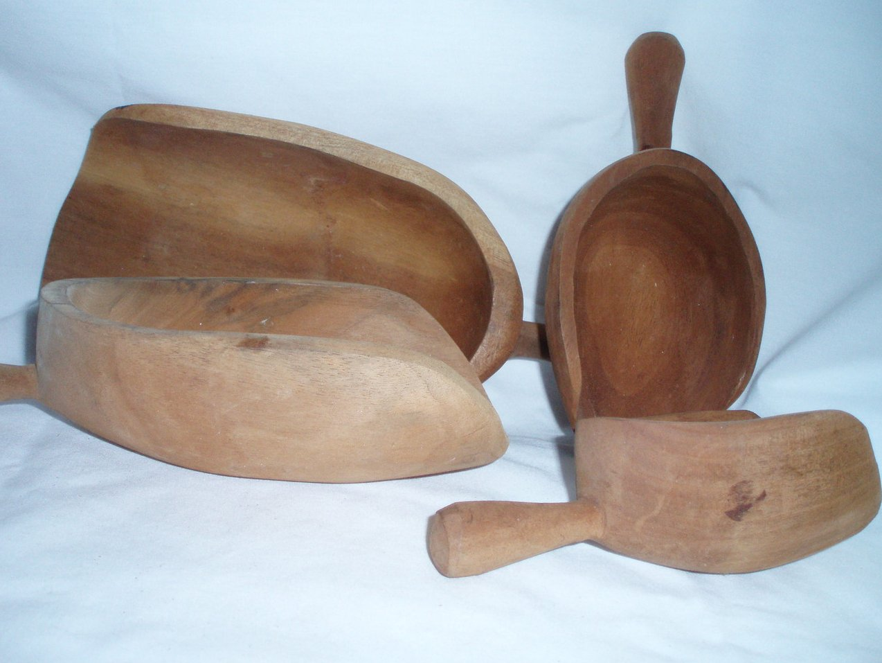 Carved Wood Measuring Scoops Cups
