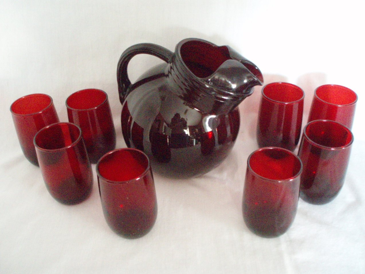 Anchor Hocking Royal Ruby Red 42 oz tilt Pitcher & 8 Juice tumblers vintage