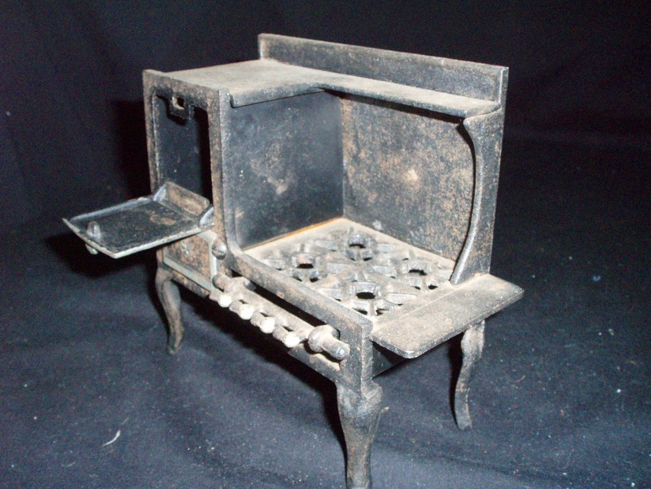 Antique Blue Bird toy cook stove oven gas range