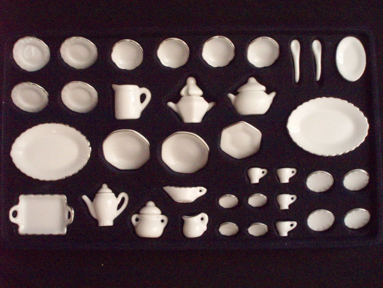 Dollhouse miniature China Ironstone Dinnerware 40 Piece set