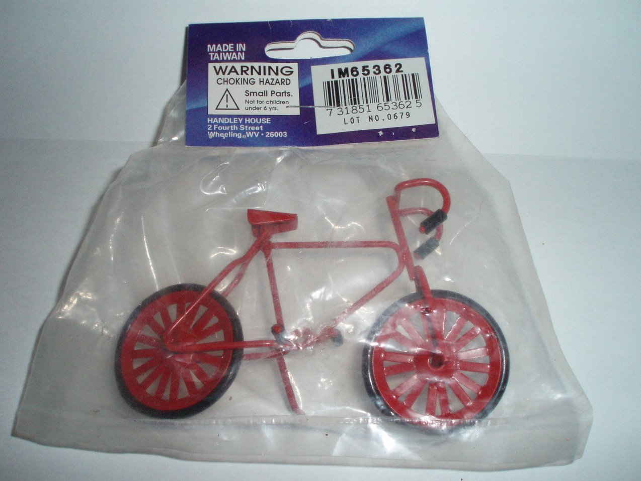 Dollhouse International Miniatures Classics red bicycle