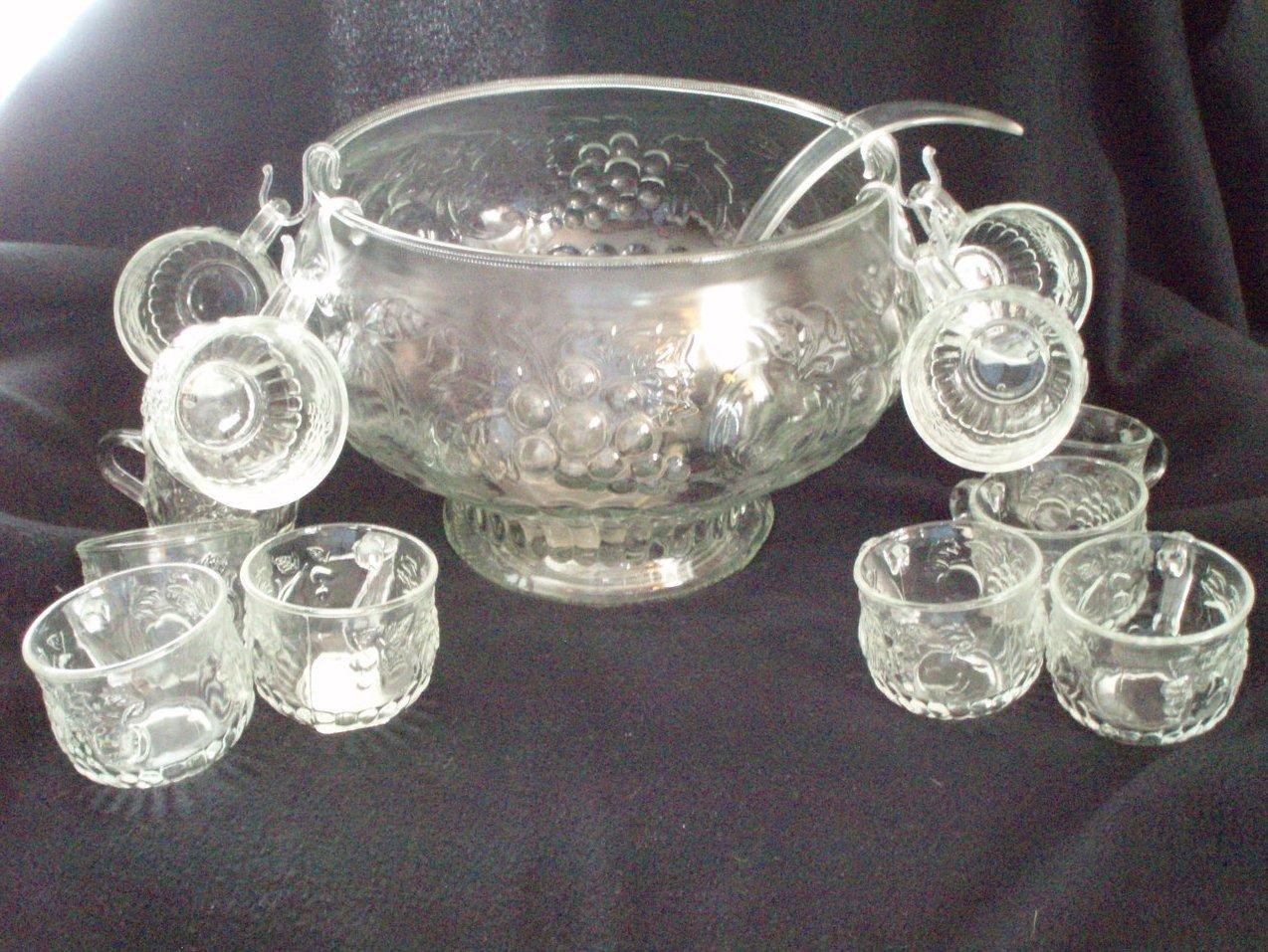 Jeannette Glass 26 Piece Punch Bowl Set Fruit Pattern