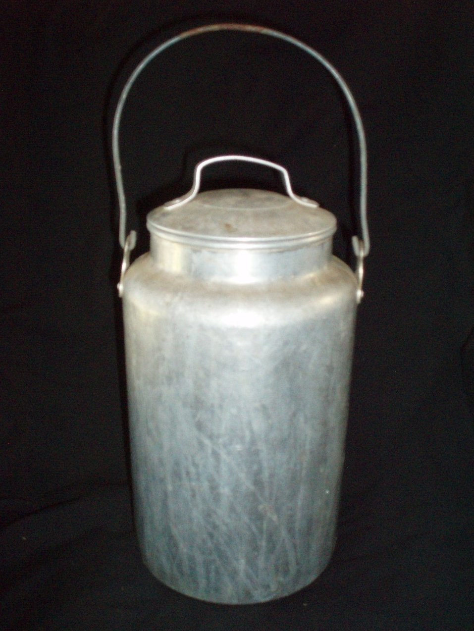 Cream Milk Dairy Can 4 Quart Vintage