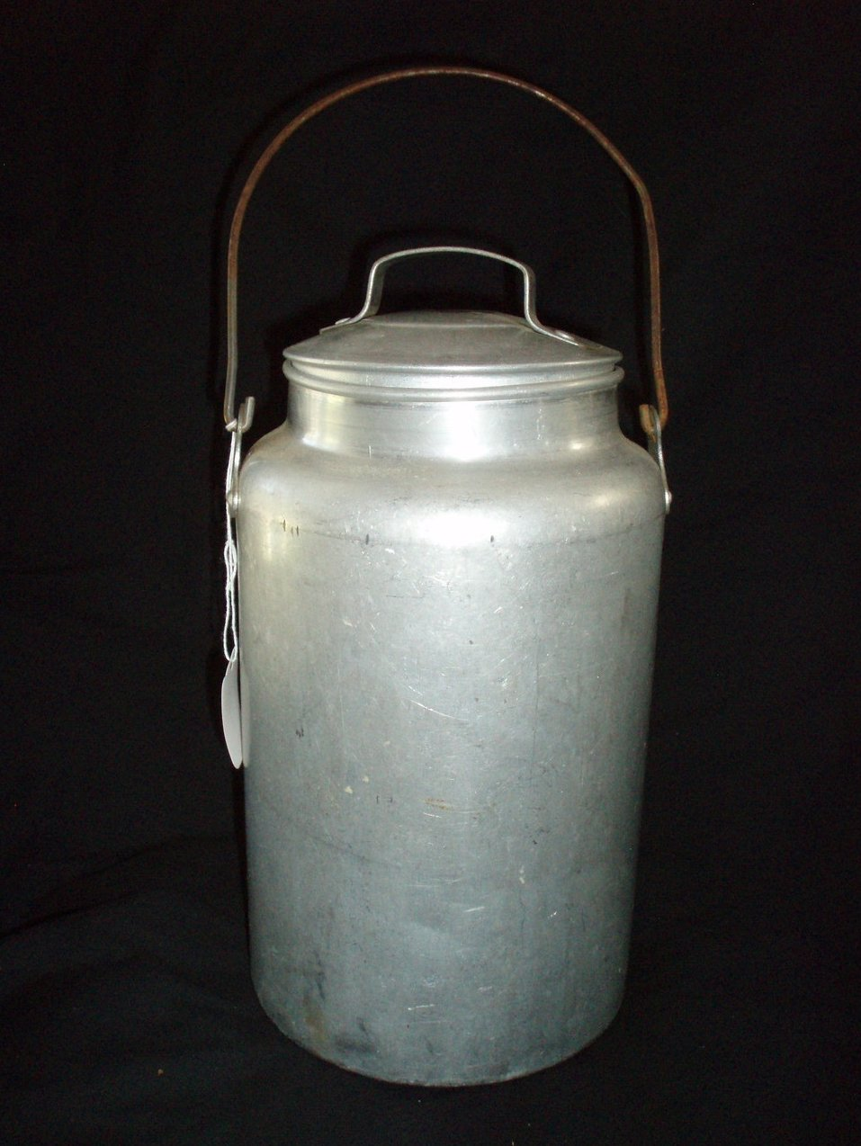 Leyse 4 quart Aluminum Cream Milk Can Vintage