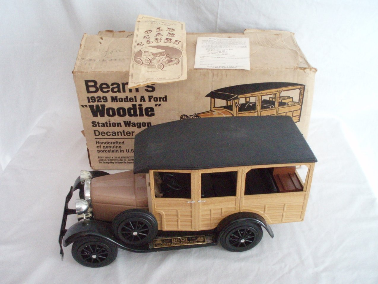 Beam Whiskey Decanter 1929 Ford Woodie Wagon W/Box and Papers