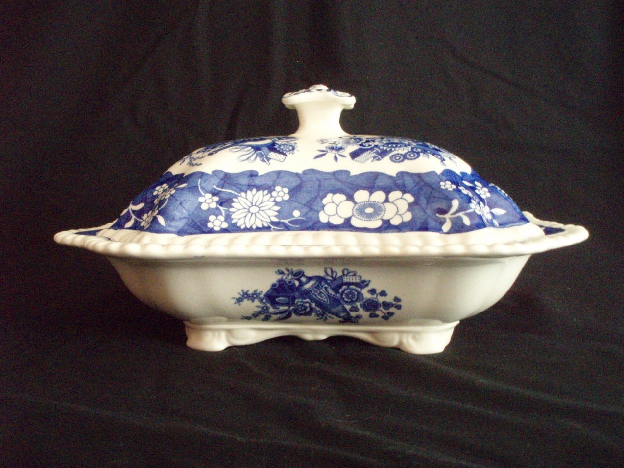 Copeland Spode  Blue Trophies Pattern covered server transferware