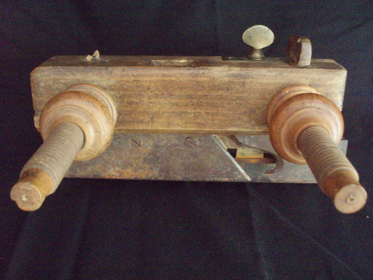 antique wood plow plane Kellogg or Chapin style