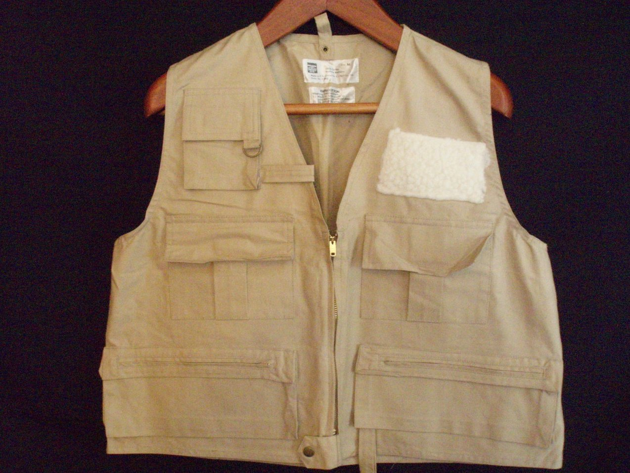 fishing vest mens size M khaki  6 pocket cotton