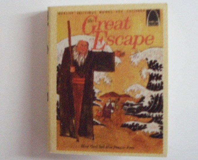 Dollhouse Miniature book The Great Escape readable