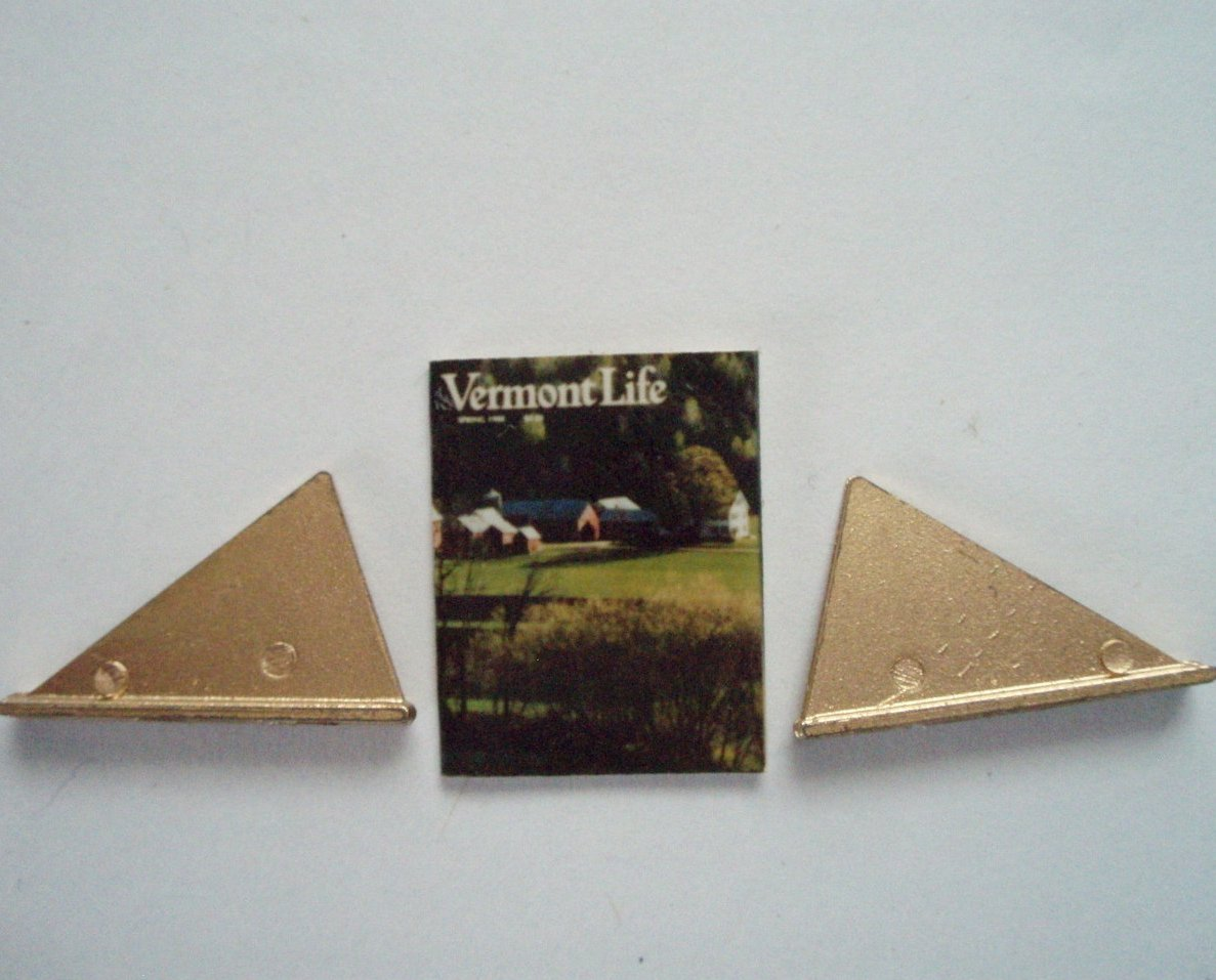 Dollhouse Miniature Magazine Vermont Life and 2 book holders