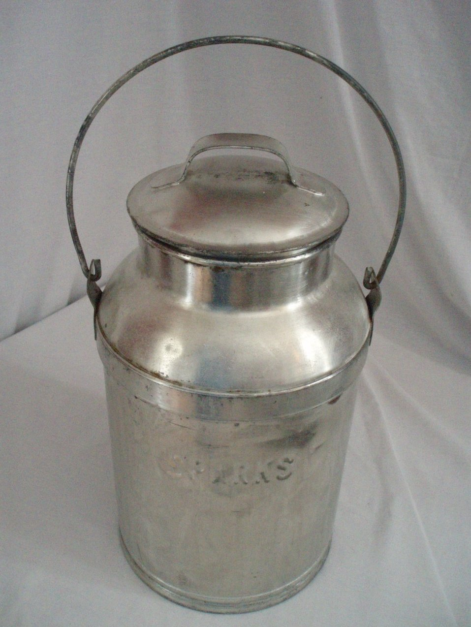 Vintage 3 Gal. metal dairy farm Milk can Container Sparks