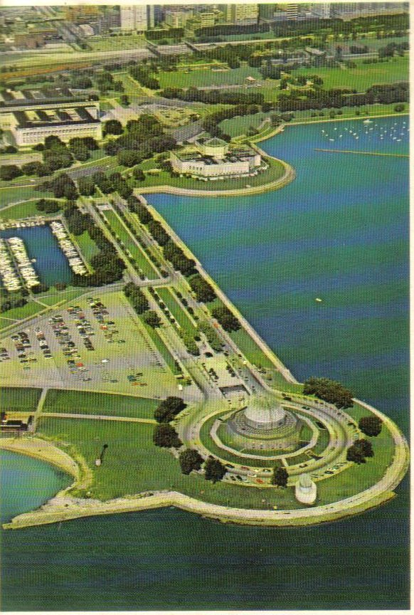 Aerial View of Museums Chicago, Illinois Postcard