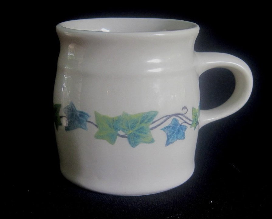 Henn Pottery Roseville Spongeware English Ivy Mug Cup
