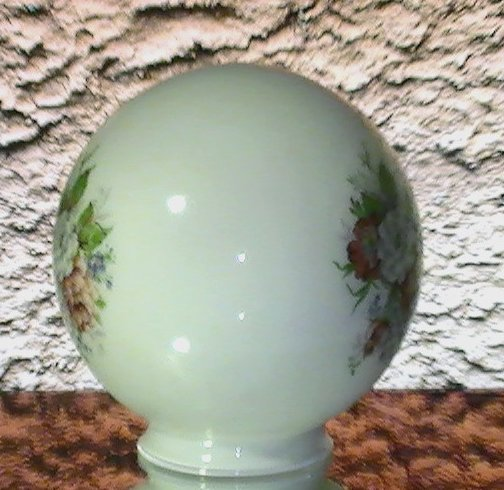 '.Ball Shade 3 1/8 inch fitter.'
