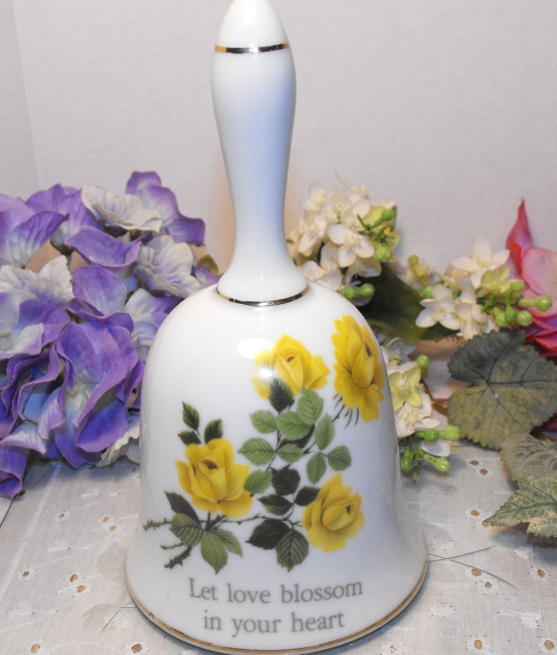 Vintage Collectible Bell Fine Porcelain Papel Int'l Yellow Roses