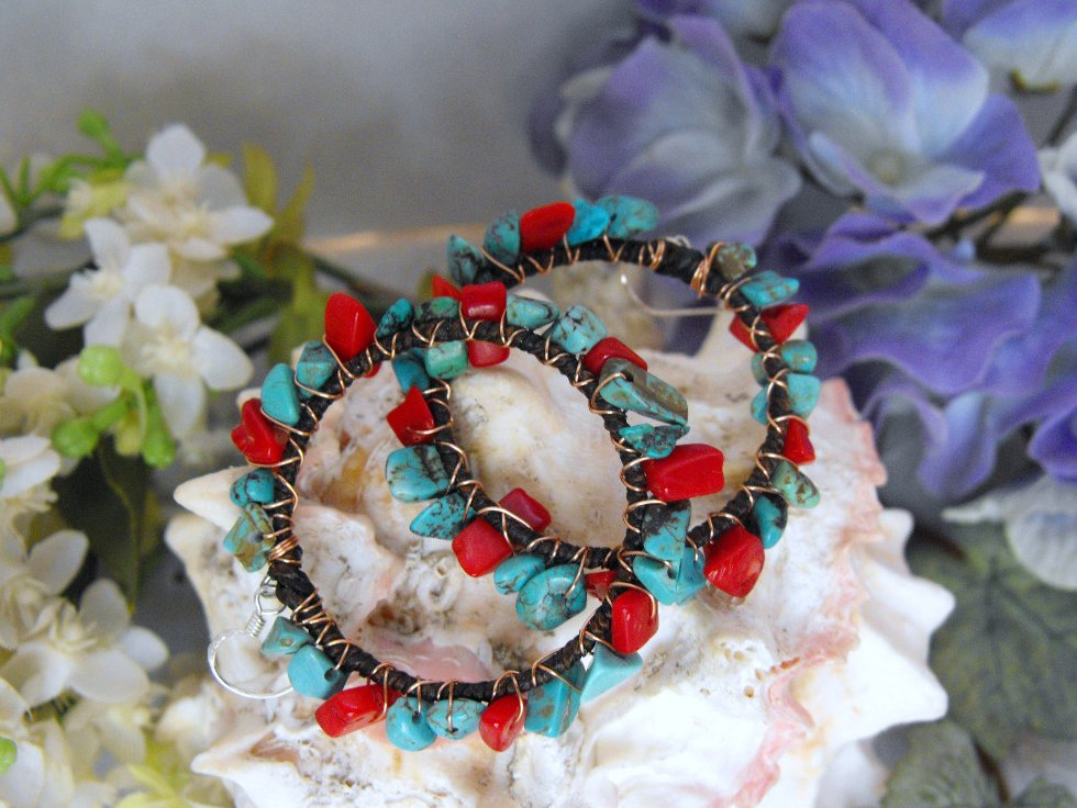 Image 1 of Hoop Earrings Turquoise Coral Chips Copper Wire 925 Silver