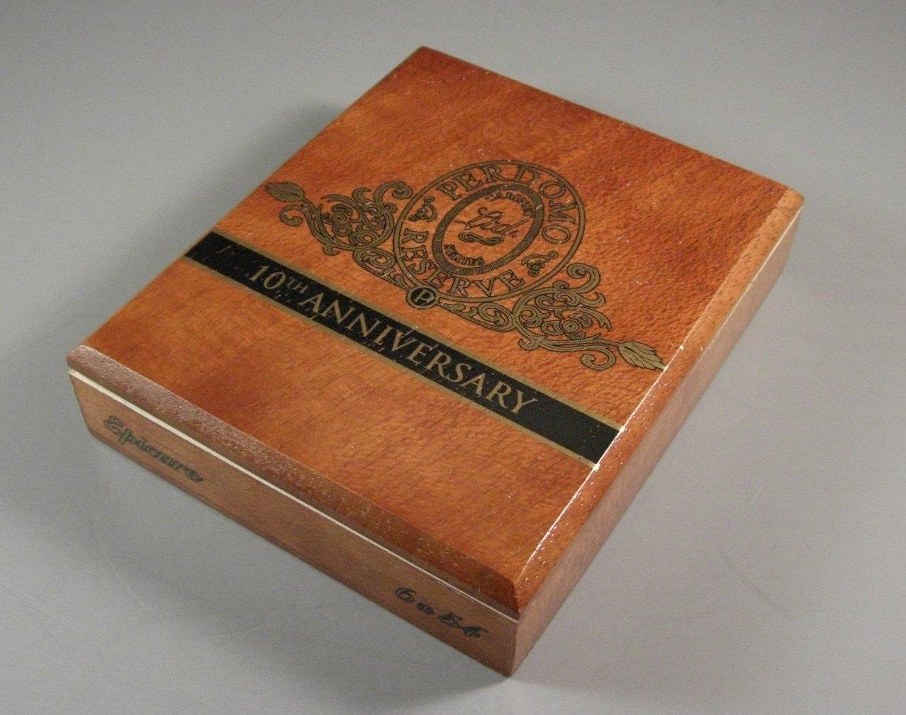 Perdomo Reserve Epicure Cedar Cigar Box Humidor 10th Anniversary Ltd Cabinet