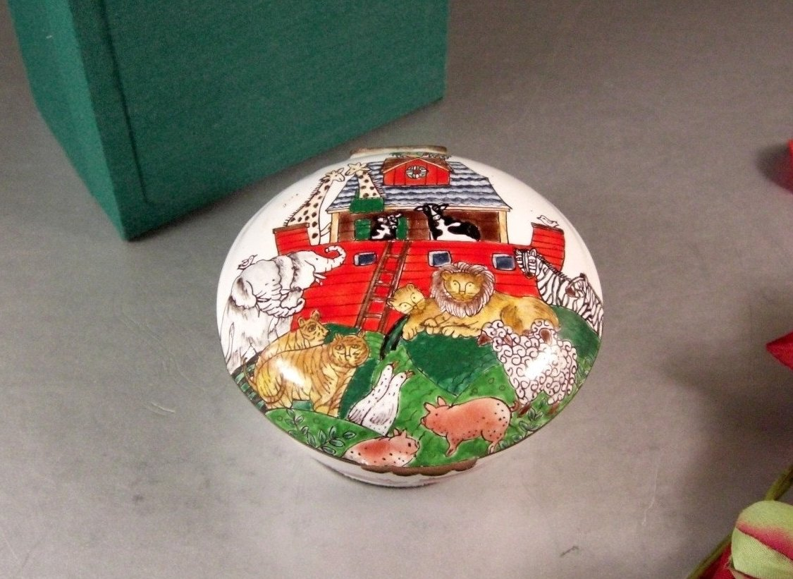 Noahs Ark Hinged Trinket Jewelry Box / Hand Enameled on Copper / Chinemel