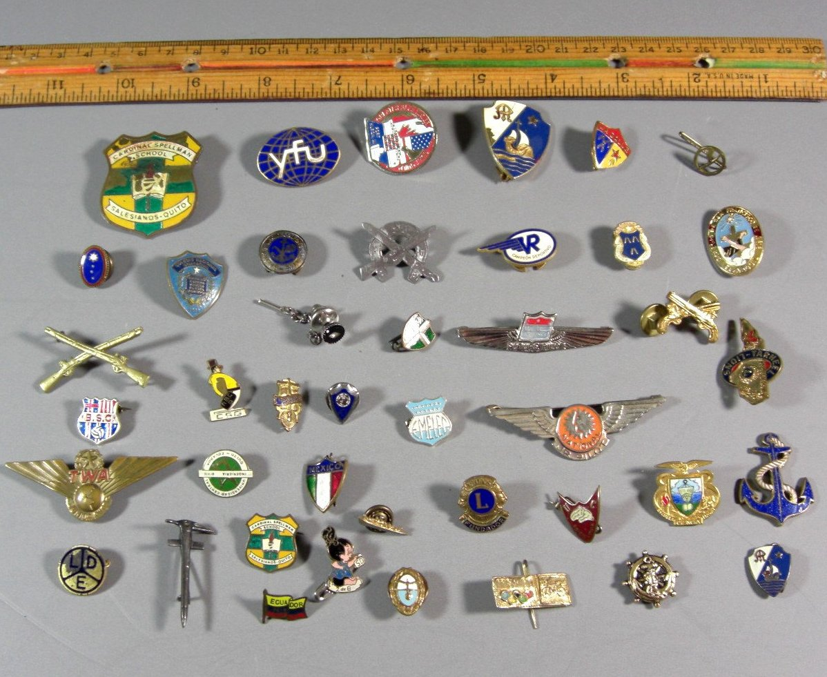 Lot of 40 Old Pin Backs, Metals, Botton Covers Tie Tacks Airline Jr Wings, Adver