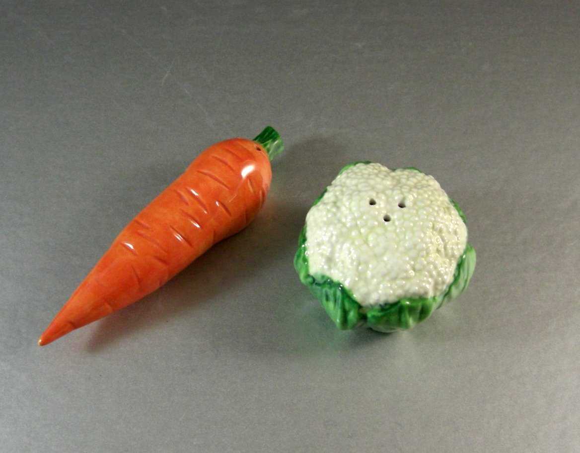 Fitz and Floyd Vegetable Garden Salt Pepper Shaker Set / Carrot Cauliflower / 19