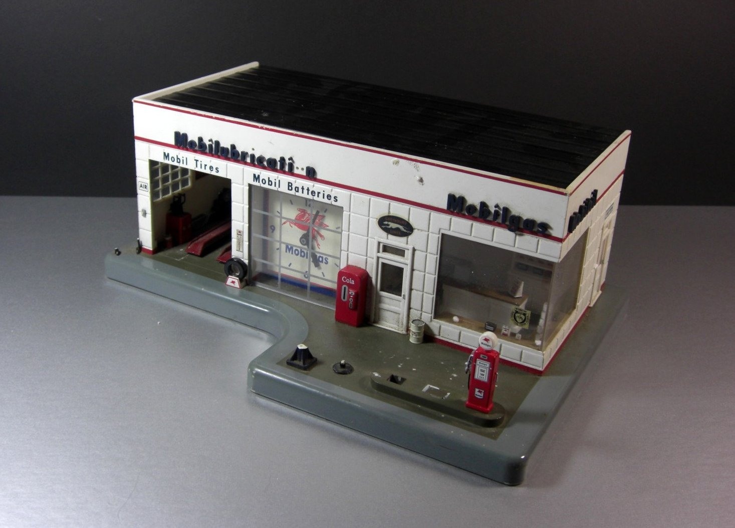 Mobil Gas Mobilgas Station Diorama Model / 64th Scale / for Parts Salvage Upcycl