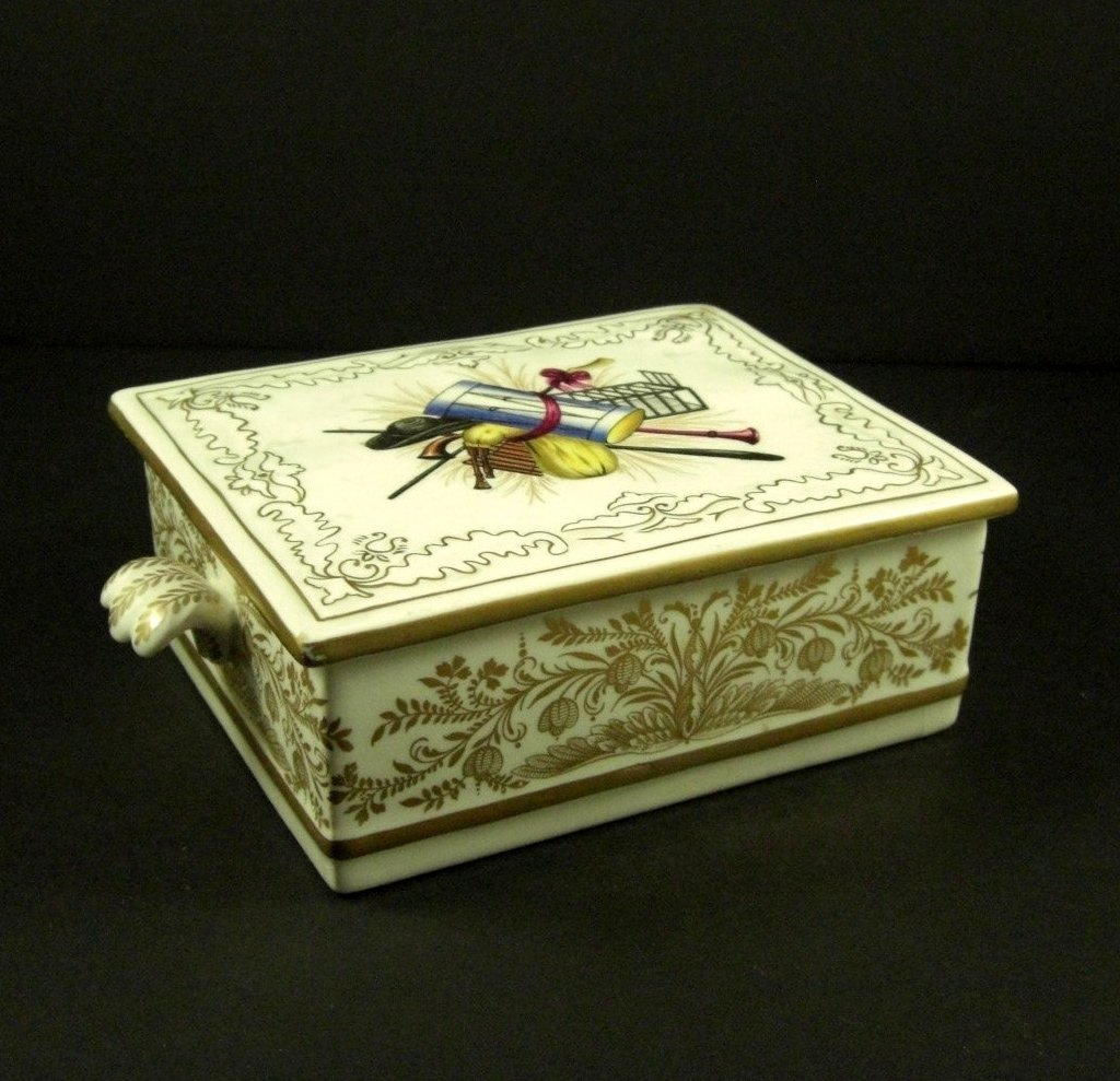 Mottahedeh Italian Art Pottery Trinket, Jewelry Box