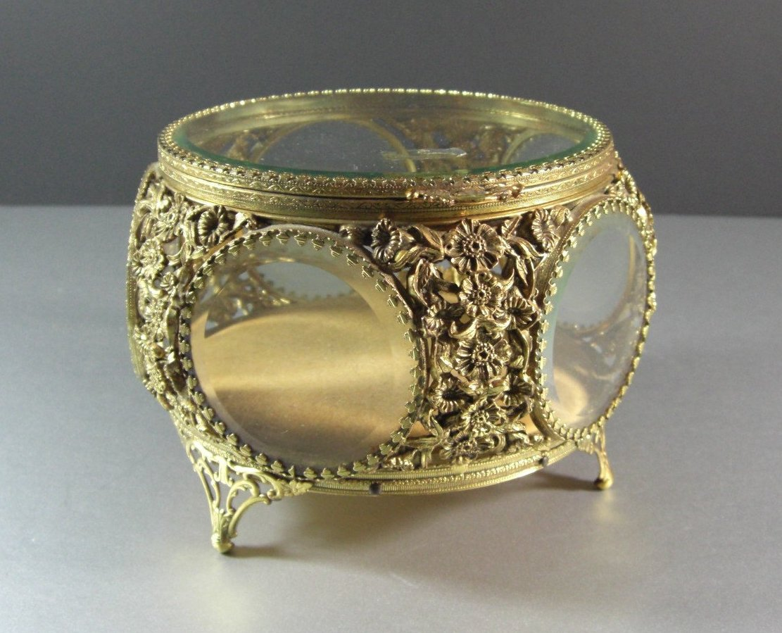 Round Matson Beveled Glass Ormolu Jewelry Casket Trinket Dresser Box