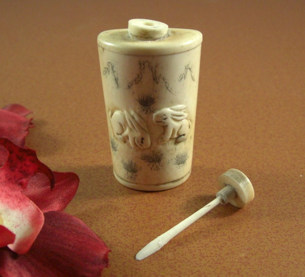Japanese Chinese Carved Bone Snuff Bottle