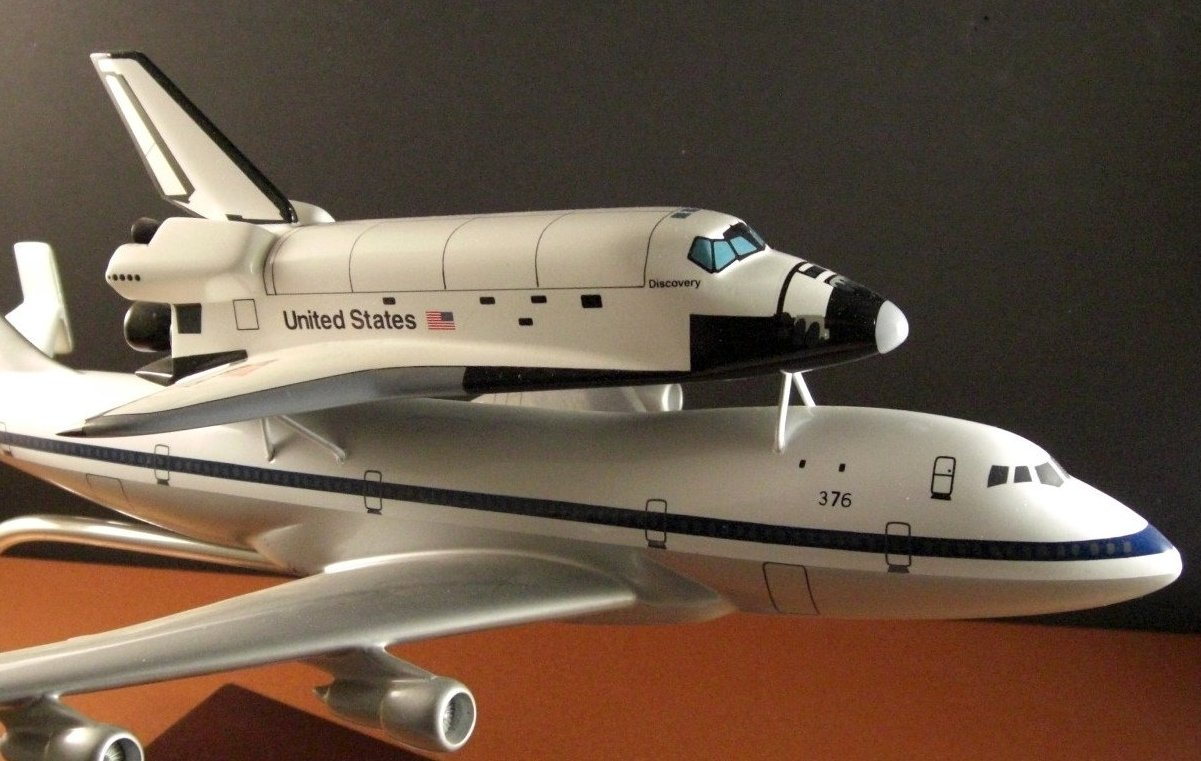 NASA Space Shuttle Discovery piggy back the Special Boeing 747 Model