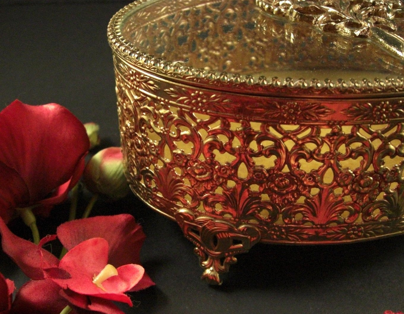 LARGE Oval Ormolu Jewelry Casket Decorated Prong Set Glass Lid