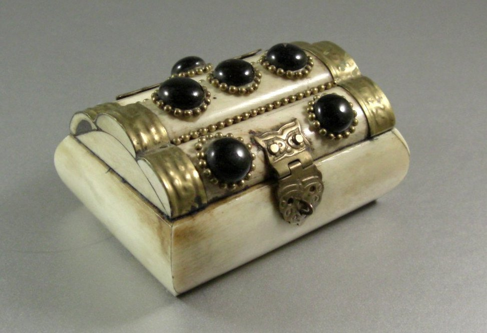Bone Ring Trinket Jewelry Decor Box BoHo Barn Wedding Hinged