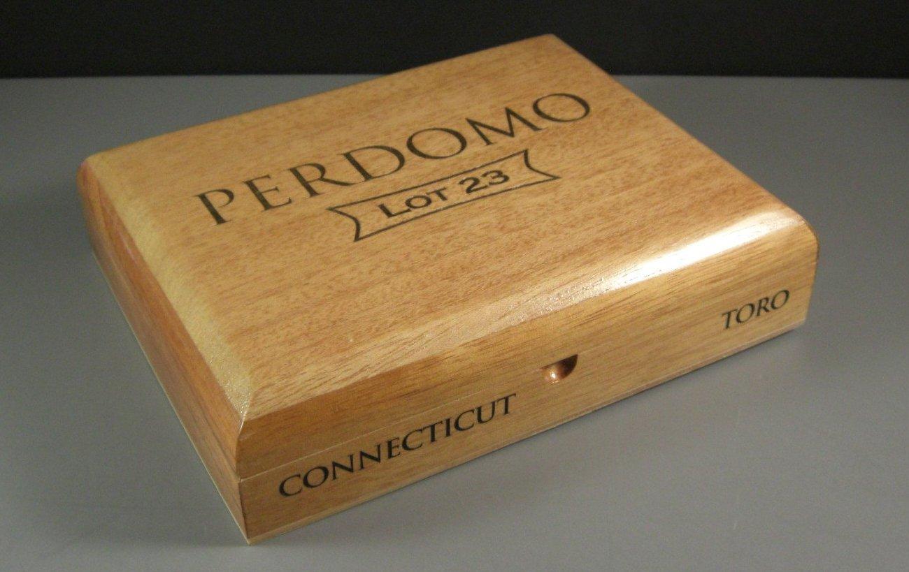 Connecticut Toro Perdomo Cedar Cigar Box / Humidor