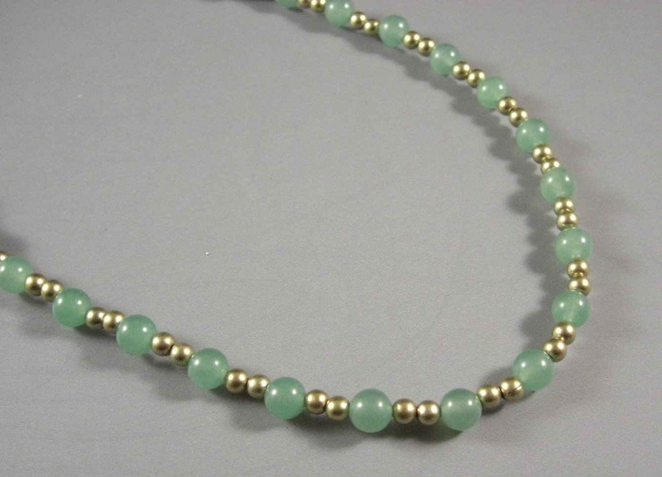 GORGEOUS Green Quartz Bead Necklace / Gold Toned Spacers / 12 inches long