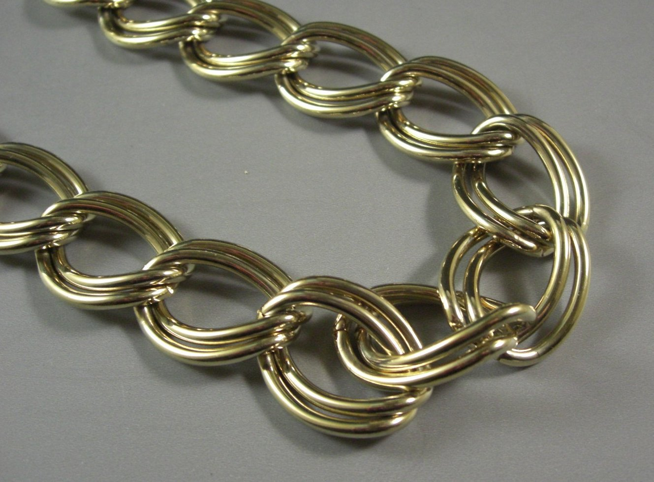 Chunky Double Link Gold Tone Metal Chain Choker / Necklace