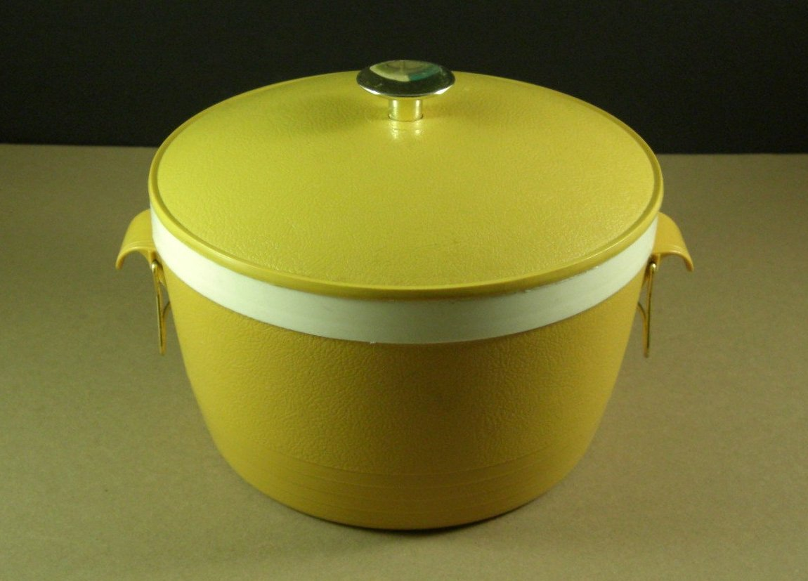 Harvest Gold Therm O Ware Covered Serving Bowl Dish 60s-70s Mod Kitchen Kitsch