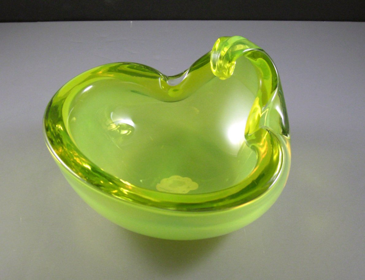 Alfredo Barbini Vaseline Glass Bowl Ashtray // Mid-Century Murano Italian Art Gl