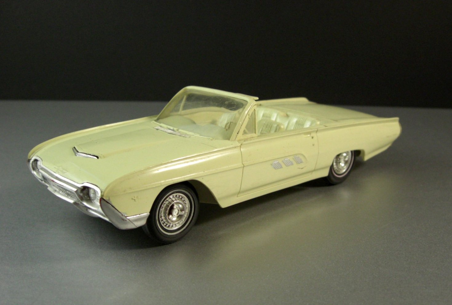 1963 Ford Thunderbird Convertible Dealer Friction Promotional Model Car