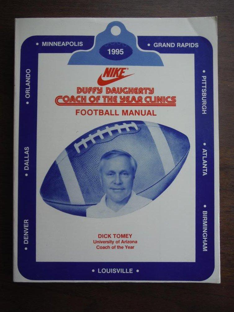 Duffy Daugherty Coach of the Year Clinics Football Manual 1995