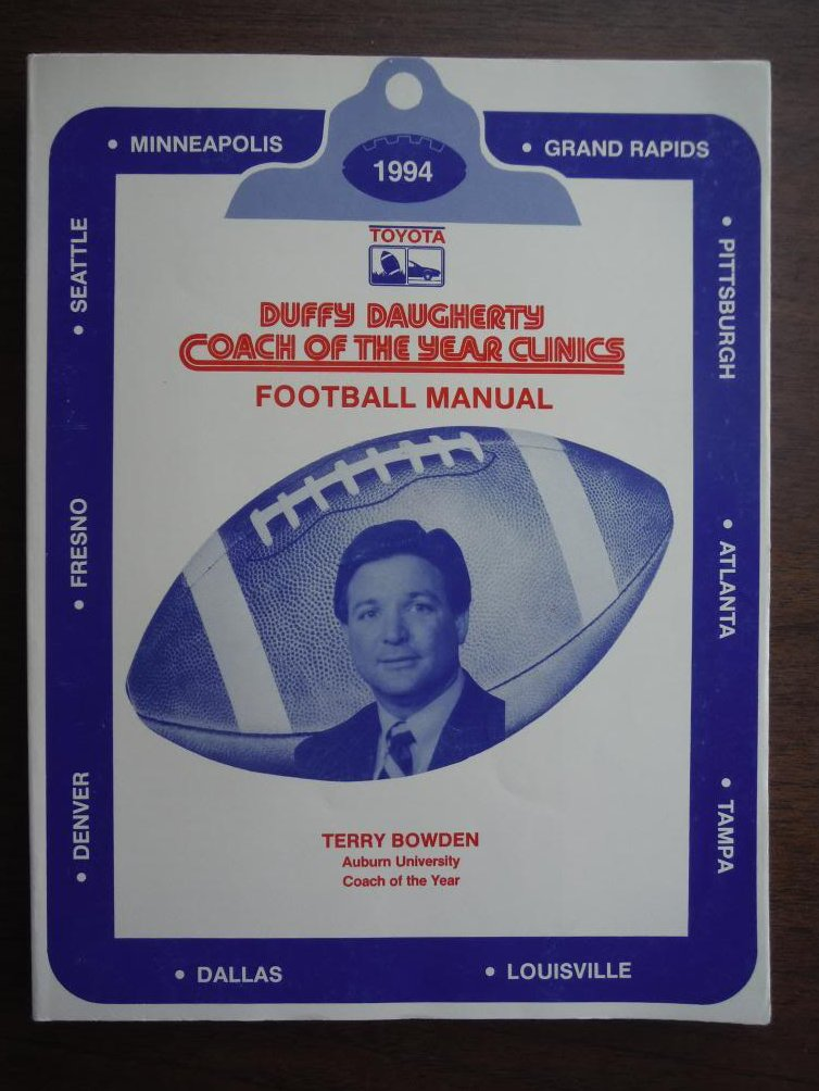 Duffy Daugherty Coach Of The Year Clinics Football Manual 1994