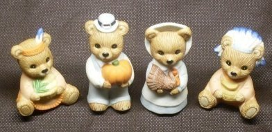 Homco Porcelain Pilgrim Teddy Bear Family Set of 4