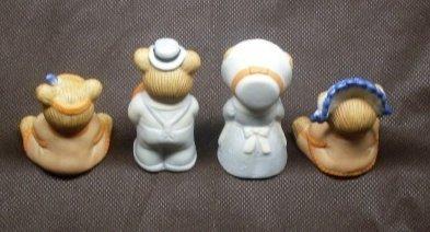 Homco Porcelain Pilgrim Teddy Bear Family Thanksgiving
